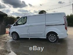 Ford Transit Custom SPORT L1 H1 2.2TDI 155ps SWB FFSH